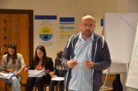 Vlado Hambálek prednáša na workshope pre Teach for Slovakia