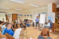 Natália Kušnieriková školí účastníkov Teach for Slovakia na Basecampe